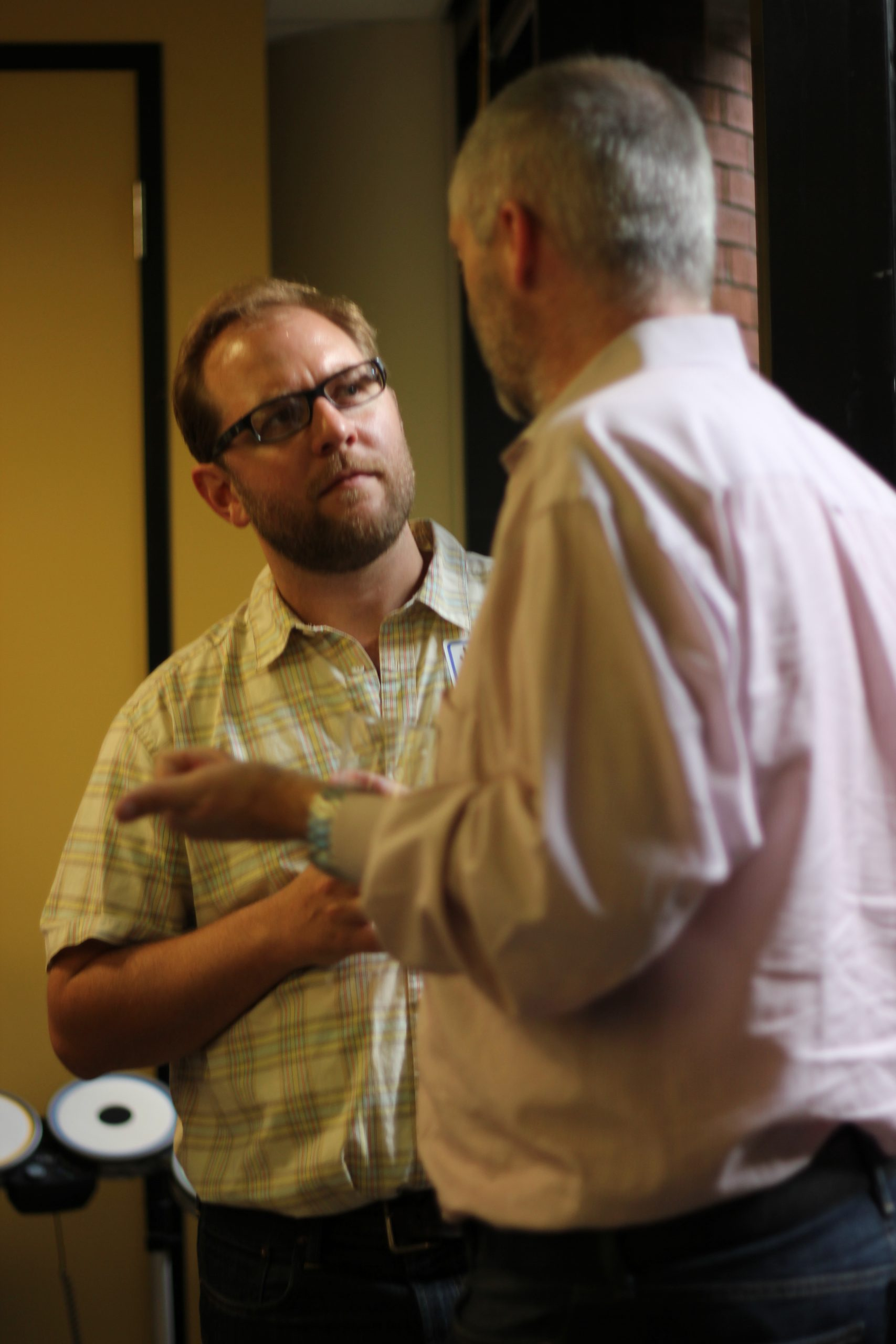 Jason Bobe and Peter Binfield chat at #scibarspace, August 24, 2011