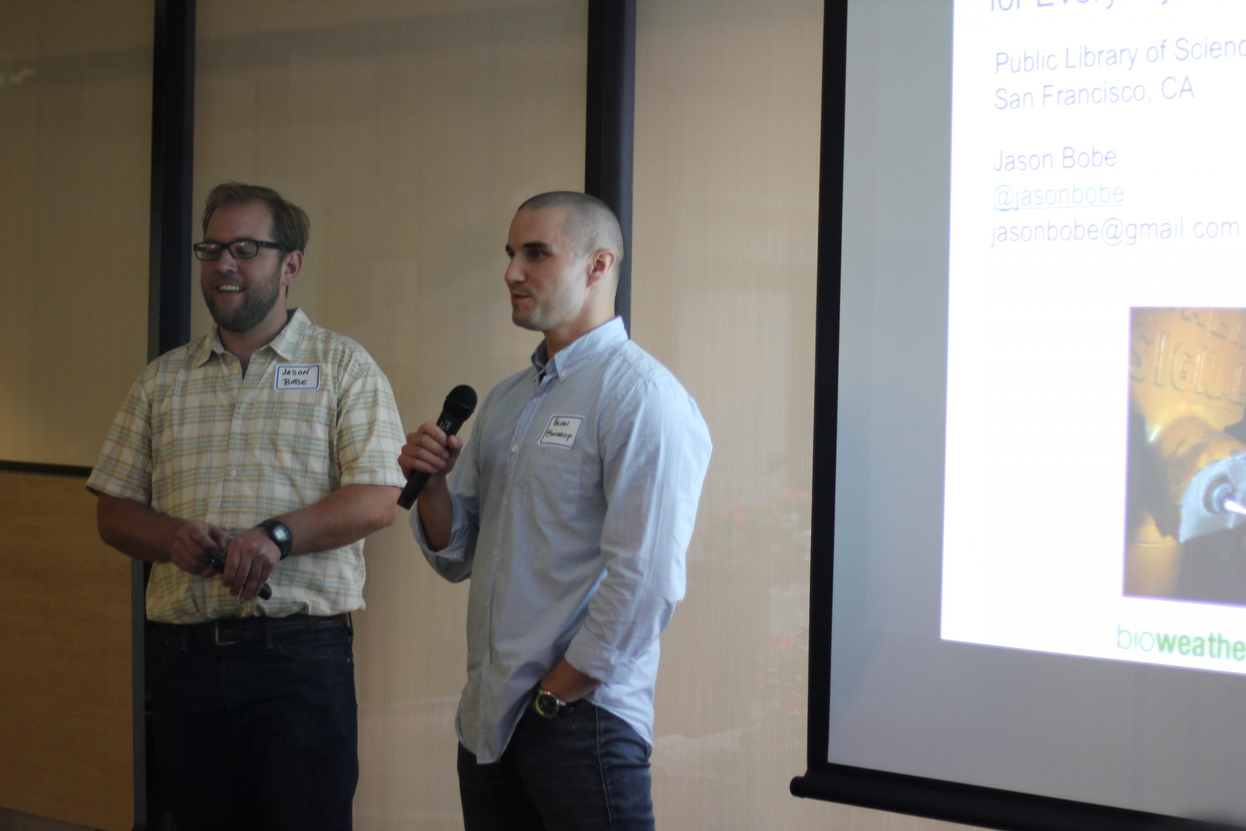 Brian Mossop introduces Jason Bobe at #SciBarSpace, August 24, 2011